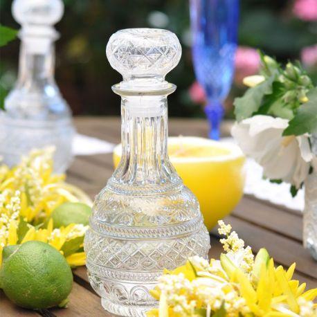 Bottiglia in vetro lavorato con tappo