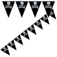 Festone pirati con bandierine teschio 6 m