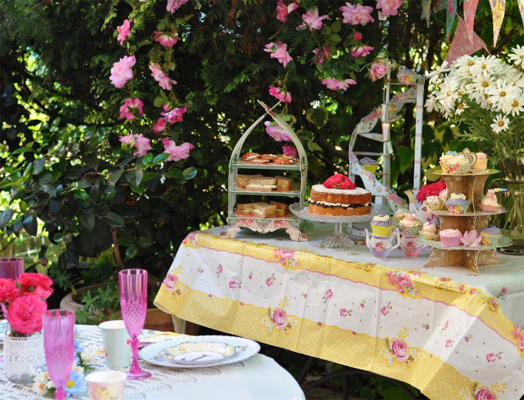 tea party sweet table