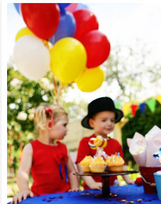 palloncini colorati circo